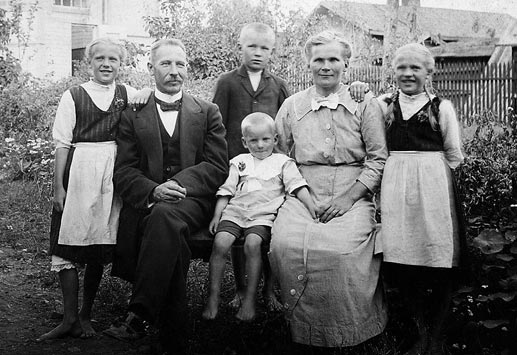 1800-Luvun Vaatteet Suomessa